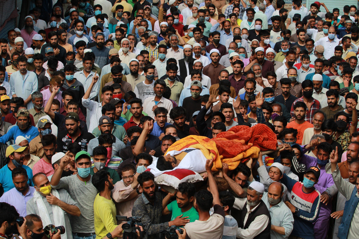 Funeral procession of civilian killed in militant attack in Sopore on Saturday. — Excelsior/Aabid Nabi