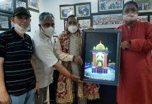 Union Minister, Dr Jitendra Singh unveiling the Pratima of Mata Kheer Bhawani at Jammu on Sunday. —Excelsior/Rakesh