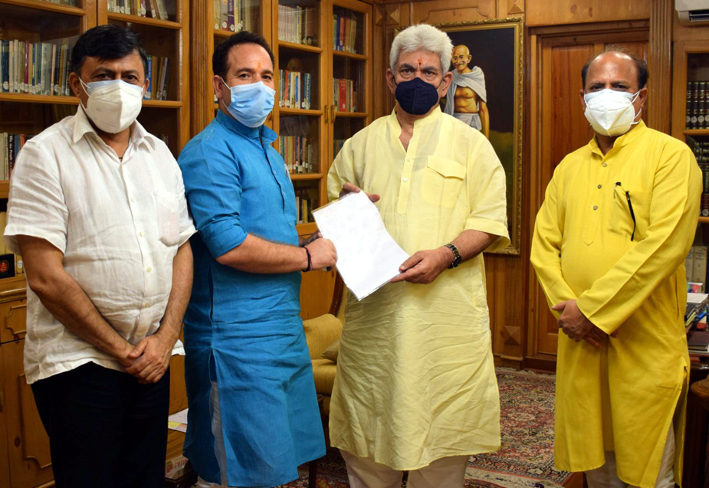 BJP delegation submitting memorandum to LG.