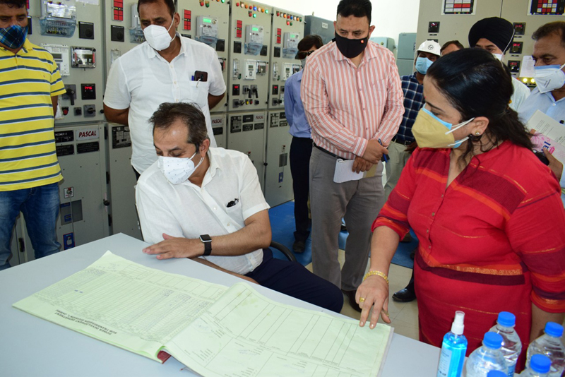 Advisor Baseer Khan during surprise inspection of a Sub-Station in Jammu on Wednesday.