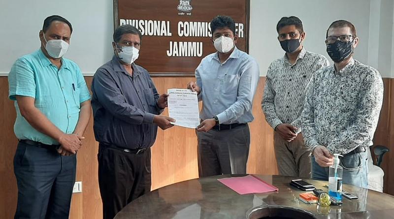 JKTF delegation submitting memorandum to Div Com Jammu.