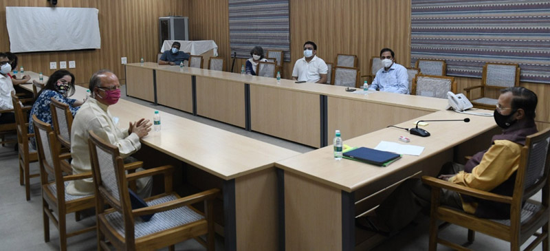 JKPD delegation in a meeting with Minister of I&B, Parkash Javedkar at New Delhi on Tuesday.