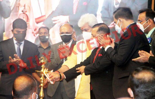 Union Minister Dr Jitendra Singh and Lieutenant Governor Manoj Sinha at a conference on 'Good Governance' in Srinagar on Thursday. —Excelsior/Shakeel