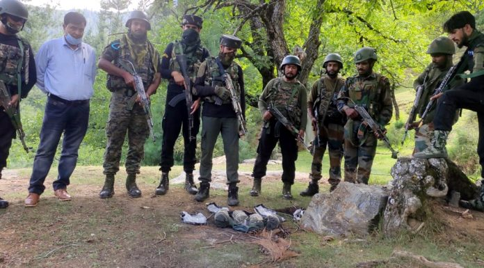 Four IEDs concealed under a big stone were found at Nadernagh Avoora in Kupwara district on Sunday. —Excelsior/Aabid Nabi