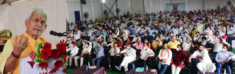 Lieutenant Governor Manoj Sinha addressing 'Vishal Pashudhan Vyapar Mela' at Hiranagar in Kathua district on Thursday.