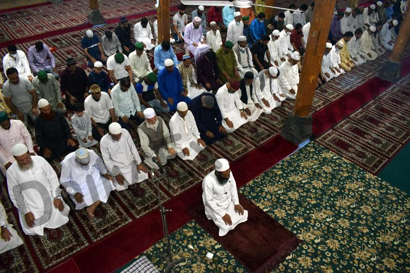 People offering Eid prayers in Srinagar on Wednesday. —Excelsior/Shakeel