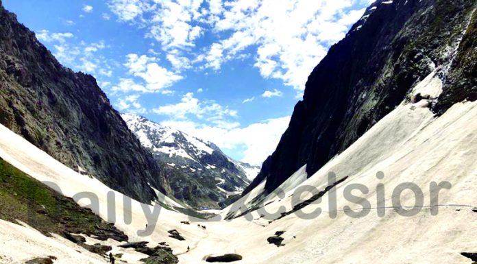 A view of track near Shri Amarnath Ji cave shrine in South Kashmir. —Excelsior/Younis Khaliq