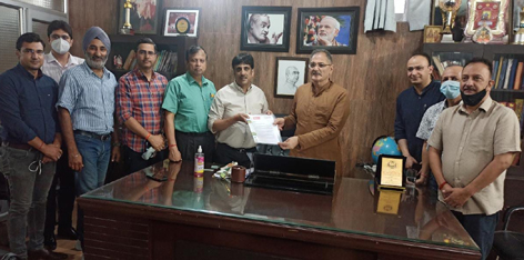 A delegation of Private Schools meeting with Kavinder Gupta.