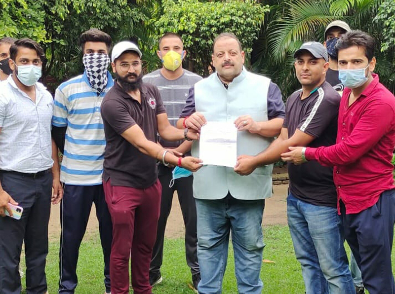 NC Provincial President Devender Singh Rana with unemployed educated youth delegation on Tuesday.