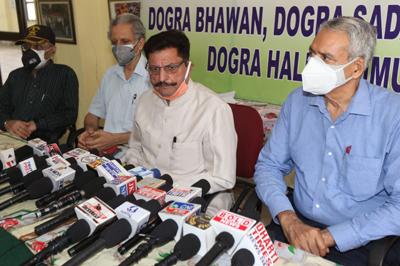 Dogra Sadar Sabha president, Gulchain Singh Charak addressing a press conference at Jammu on Saturday. —Excelsior/Rakesh