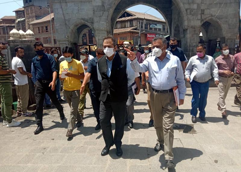 Advisor Baseer Ahmad Khan during visit to Dastgeer Sahib Shrine on Saturday.