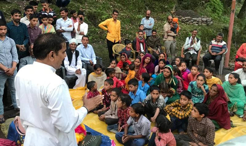 NPP leader Harsh Dev Singh addressing public meeting in Ramnagar.