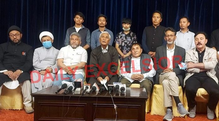 Leh and Kargil leaders at a joint press conference in Leh on Sunday. —Excelsior/Morup Stanzin