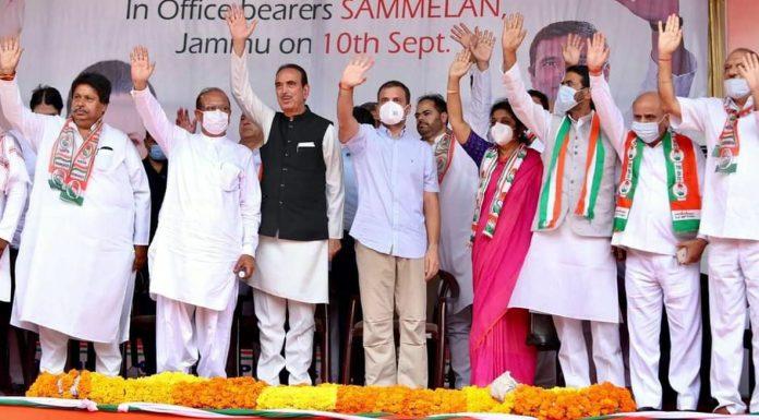AICC leader Rahul Gandhi along with Ghulam Nabi Azad and senior leaders in Jammu on Friday.