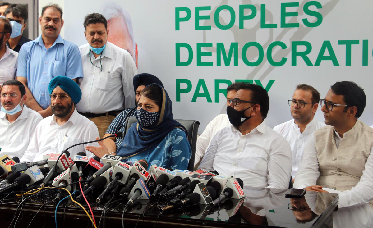 Former J&K Chief Minister and PDP president, Mehbooba Mufti interacting with media-persons in Jammu on Tuesday. —Excelsior/Rakesh