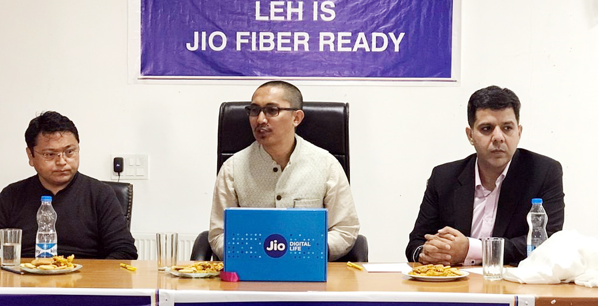 Jamyang Tsering Namgyal, MP Ladakh announcing the launch of JioFiber services in Leh.
