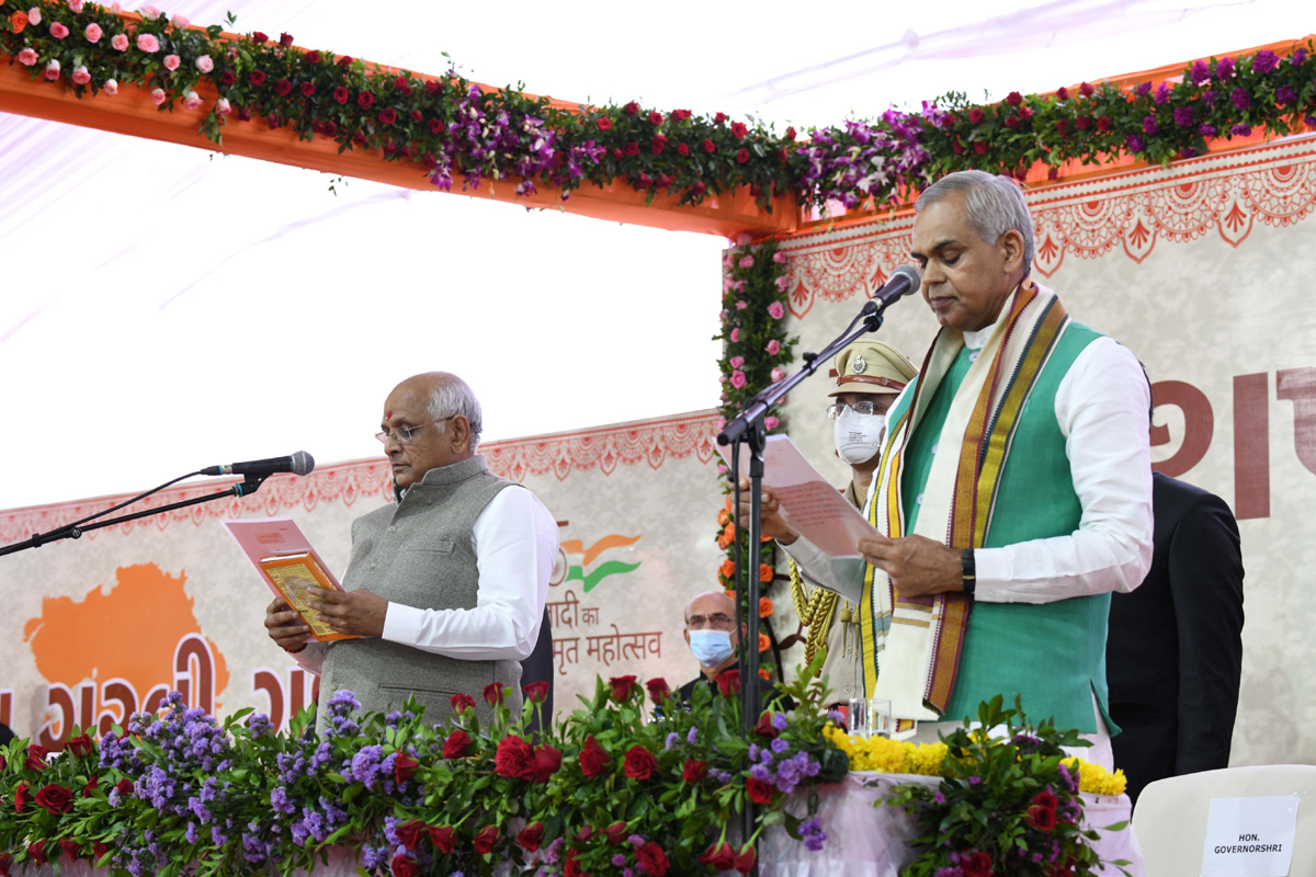 Bhupendra Patel takes oath as new Chief Minister of Gujarat administered by Governor Acharya Devvrat during a swearing-in ceremony at Raj Bhavan in Gandhinagar. (UNI)