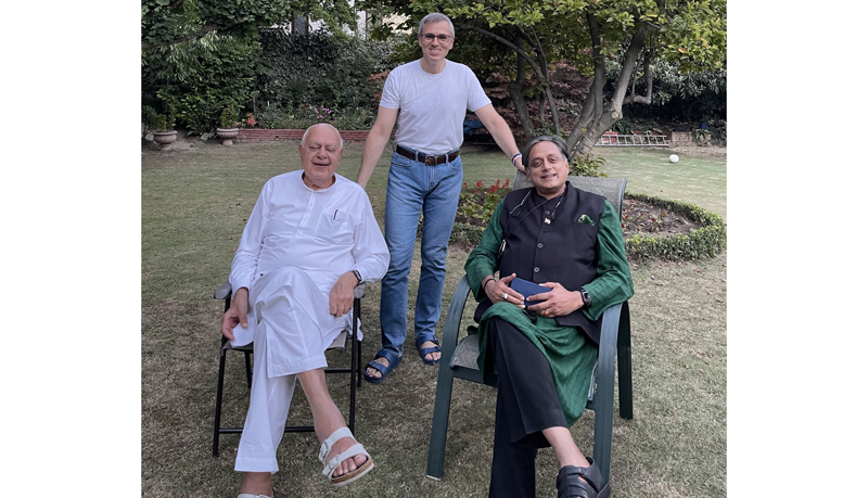 Parliamentary Committee on IT chairman Shashi Tharoor with Dr Farooq Abdullah and Omar Abdullah in Srinagar on Saturday.