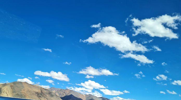 Mesmerizing view of Pangong lake in Leh along the Indo-China border.