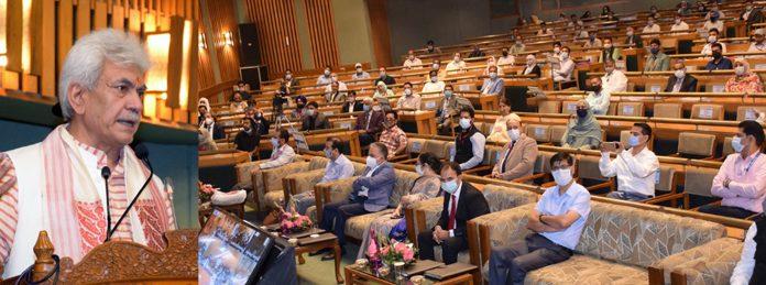 Lieutenant Governor Manoj Sinha addressing workshop on New Education Policy at SKICC Srinagar on Sunday.
