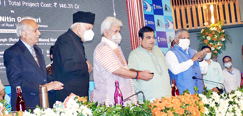 Union Minister of Road Transport and Highways Nitin Gadkari, Lt Governor Manoj Sinha, Minister of State Gen (Retd) VK Singh and NC leader Dr Farooq Abdullah laying the foundation stone of work for 4 NH Projects in Srinagar on Monday. (UNI)