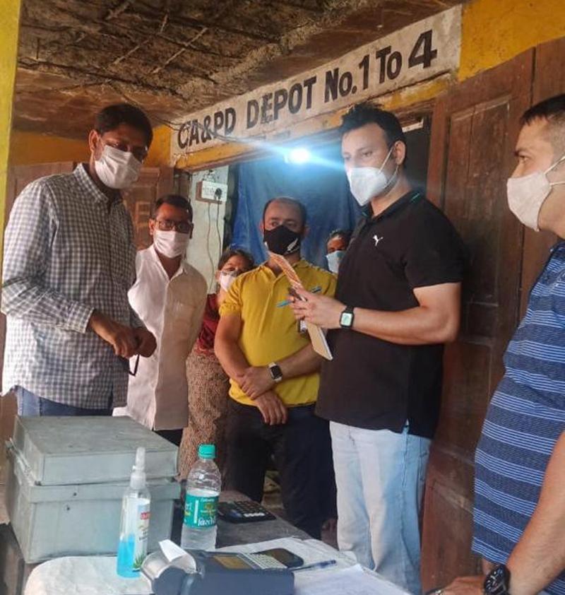 Director FCS&CA Jammu Naseem Javaid Choudhary inspecting a CA&PD Depot in Samba district.