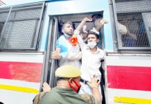 Detained NSUI activists being taken to DPL Jammu on Monday. -Excelsior/Rakesh