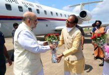 Madhya Pradesh Chief Minister Shivraj Singh Chouhan receiving Union Home Minister Amit Shah in Jabalpur on Saturday. (UNI)