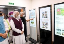 Prime Minister Narendra Modi along with Defence Minister Rajnath Singh, the Union Minister for Petroleum and Natural Gas, Housing and Urban Affairs Hardeep Singh Puri and other dignitaries visiting Defence Offices Complexes at Kasturba Gandhi Marg and Africa Avenue during their inauguration, in New Delhi on Thursday. (UNI)