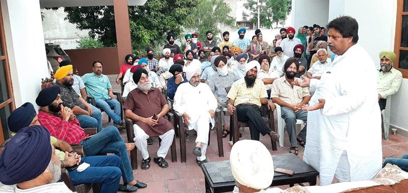 JKPCC vice president Raman Bhalla addressing a public meeting at Gadigarh in Jammu.