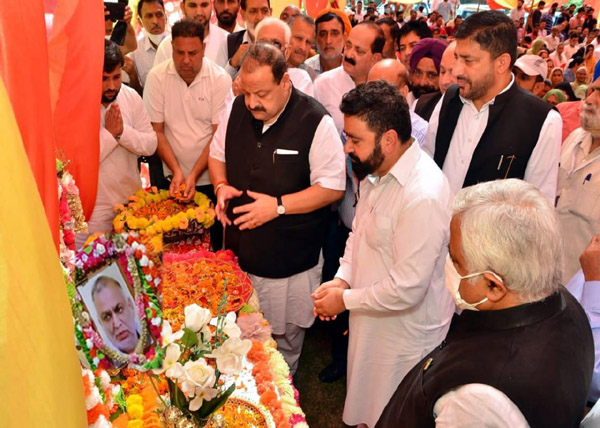 NC leaders paying tributes to Th Rachpaul Singh.