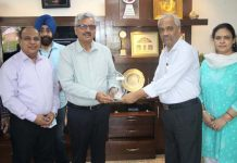 AK Singh CMD, NHPC and other senior officers alongwith IHA-Blue Planet Prize Trophy conferred to Teesta-V Power Station.