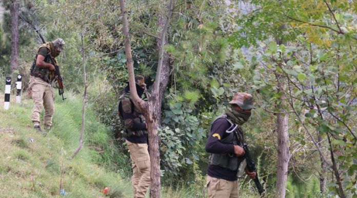 Troops during searches in Bhatta Durrian forests of Mendhar on Sunday. —Excelsior/Rahi Kapoor