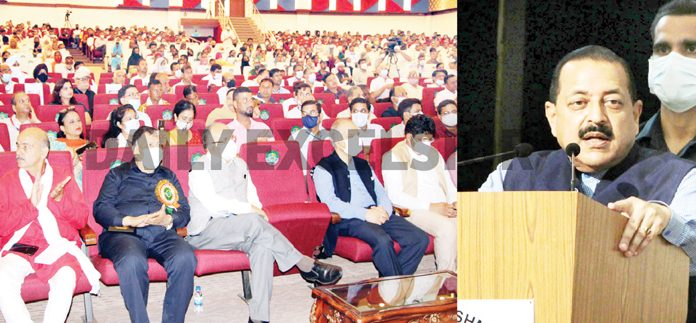 Union Minister Dr Jitendra Singh addressing a function at the Northern India Regional Agriculture Fair organised at SKUAST Jammu on Sunday. -Excelsior/Rakesh