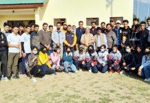 Selected team of Wushu Junior Championship posing for a group photograph with dignitaries at Srinagar.