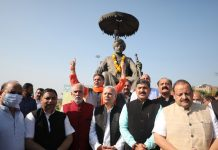 BJP leaders paying tributes to Maharaja Hari Singh on the occasion of Accession Day at Jammu. —Excelsior/ Rakesh