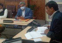 CS Arun Kumar Mehta chairing a meeting at Srinagar.