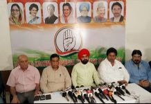 AICC spokesperson, Charan Singh Sapra, flanked by other Congress leaders addressing a press conference in Jammu on Wednesday. —Excelsior/Rakesh