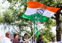 Congress leader Priyanka Gandhi Vadra along with Uttar Pradesh Congress President Ajay Kumar Lallu participating in 'Congress Pratigya Yatra', in Barabanki on Saturday. (UNI)