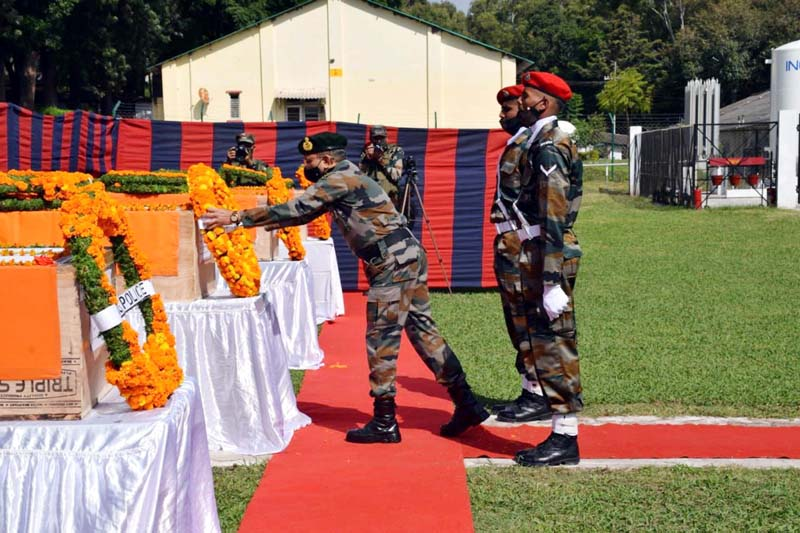 Tributes paid to soldiers martyred in Poonch