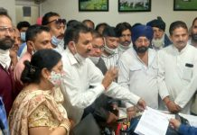 DCC members led by Dr Manohar Lal Sharma submitting memorandum to DC Kathua on Wednesday.